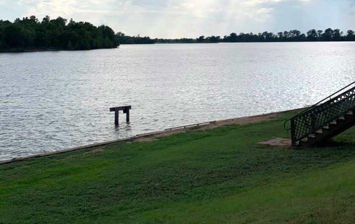 Red River, riverbank, grassy, dock, fishing, boating