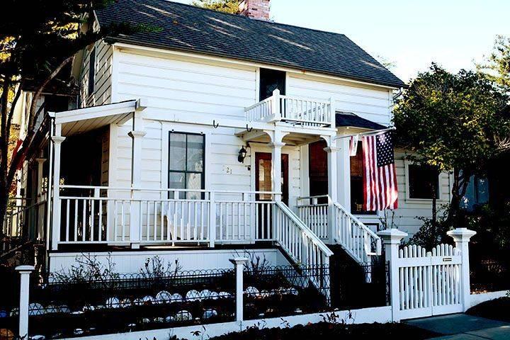 Carmelita Cottages, Beach Hill, Santa Cruz, CA haunted