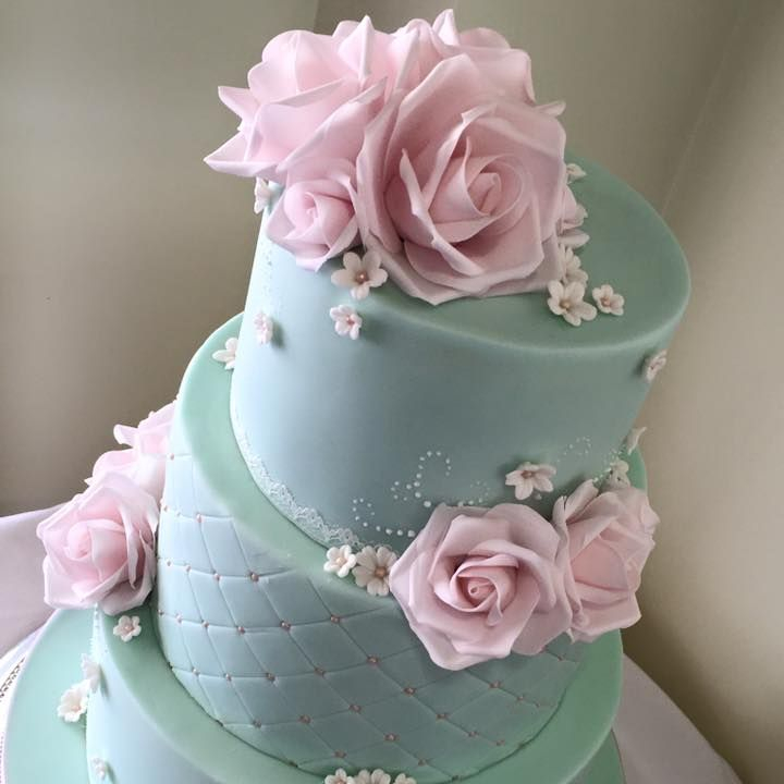 Pink Blue Wedding Cake Roses Quilting
