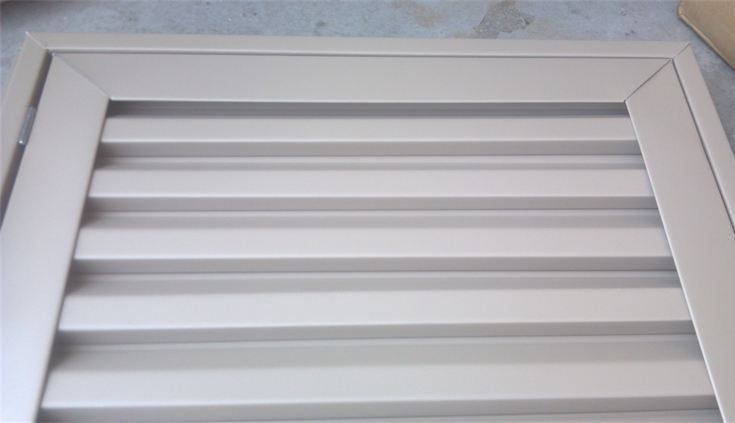 Non functional closed louver gable vent