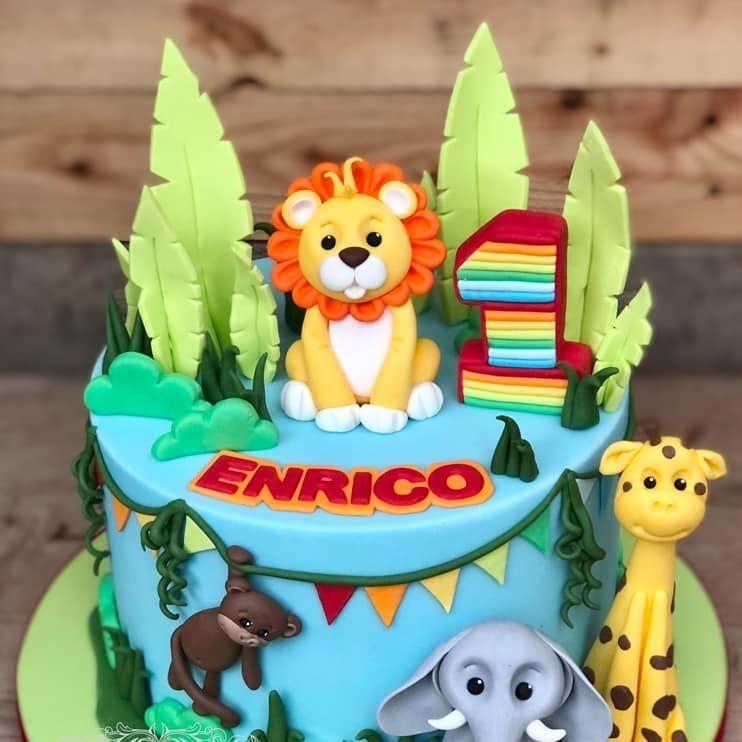 birthday cake pooh bear tigger eyeore piglet tub vintage bubbles