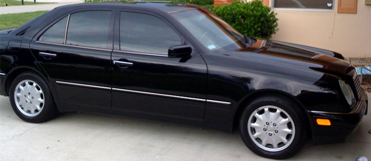 Mercedes e320Mario Brother'sAuto Body Mario Brothers Detailing And we do Auto repair also