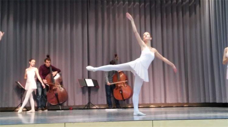 Ballett extra choreographiert für den Auftritt an der Benefiz Gala