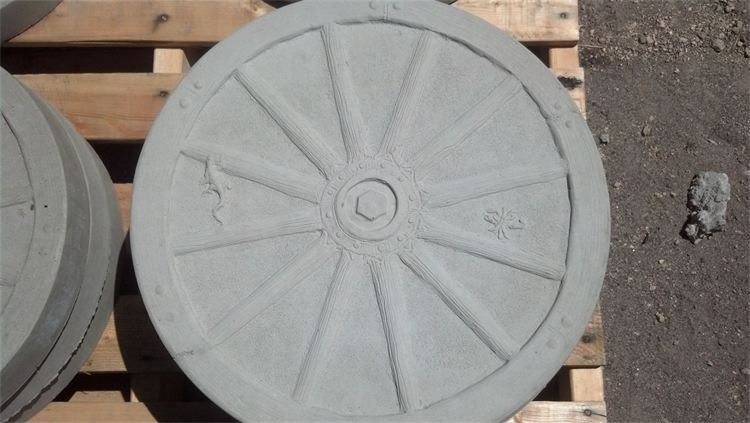 Wagon Wheel Stepping Stone