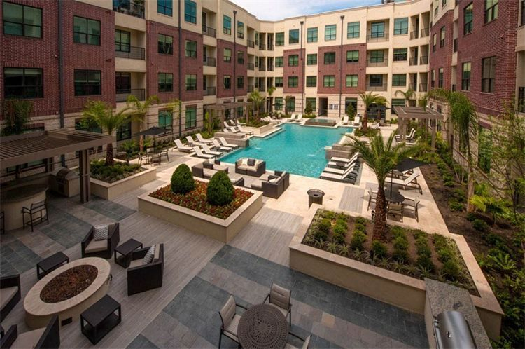 resort pool and firepit, Houston Inner Loop Apartment community