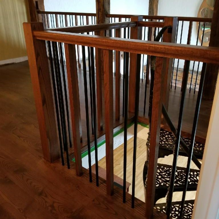 Cambridge Oak Railing With Steel Spindles