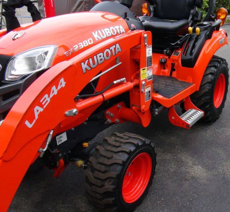 Kubota Step. BX Step, Kubota tractor step