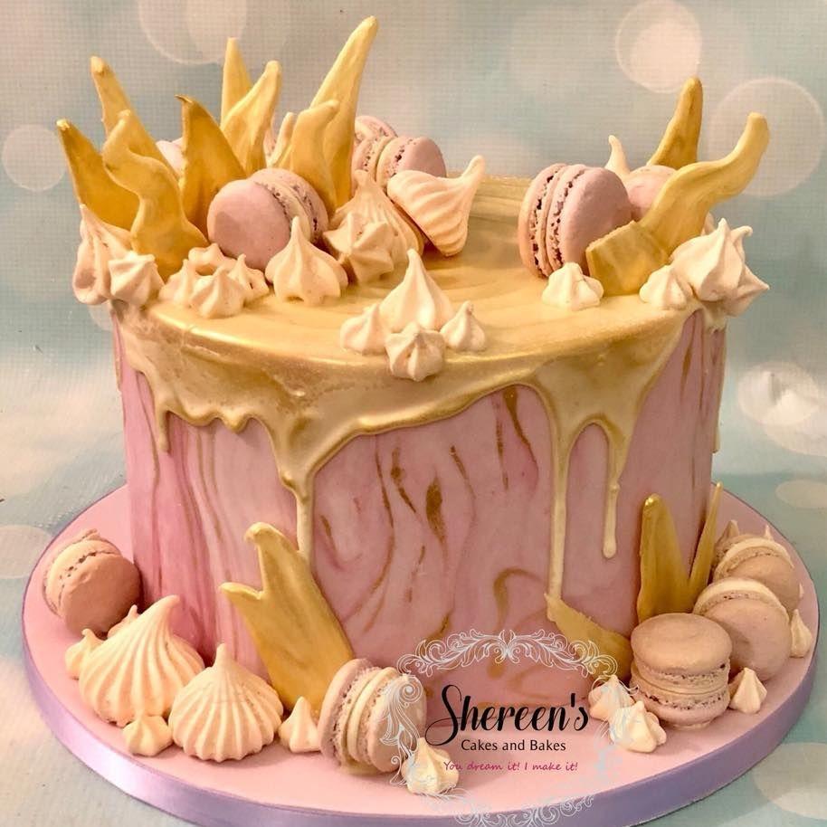 Drip cake macaron meringue gold