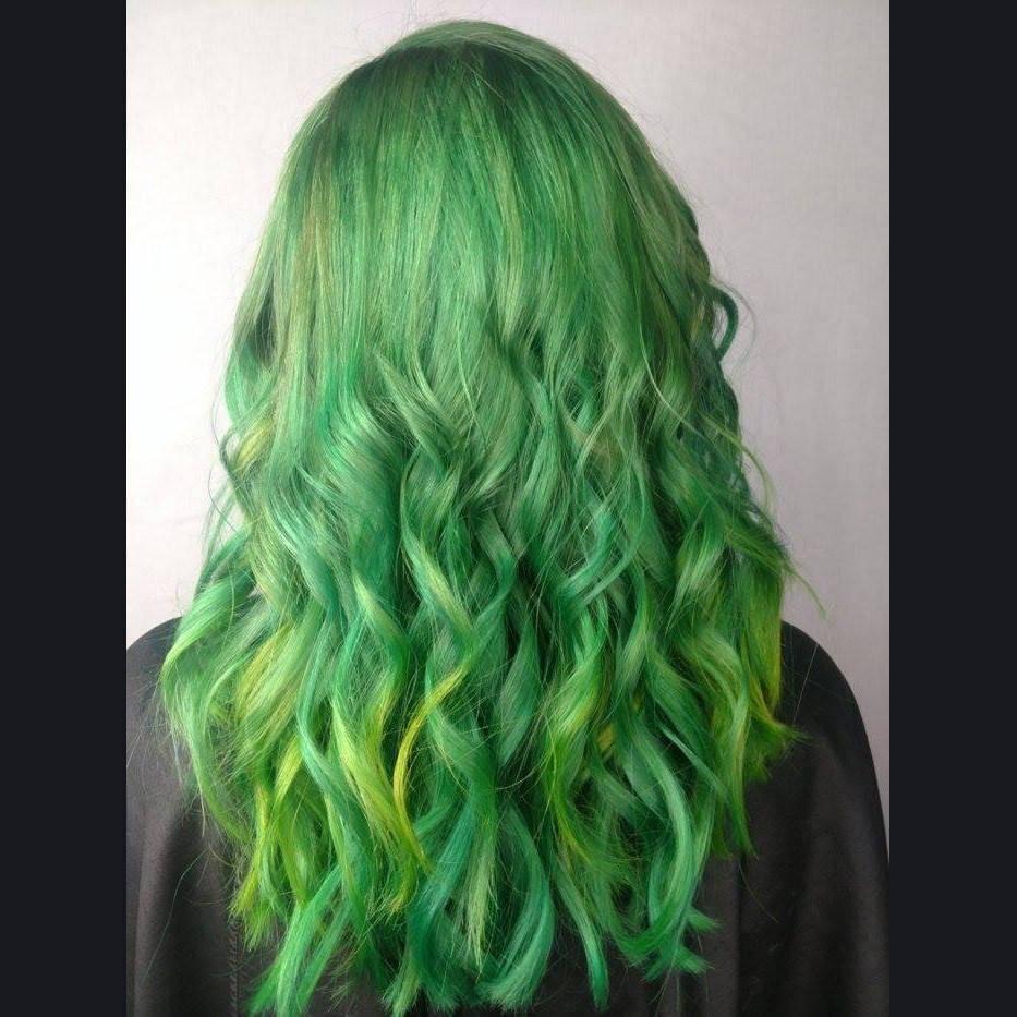 Green hair medium bob texture razor cut haircut charlotte