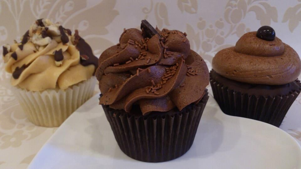 vegan triple chocolate peanut butter cupcake and mocha
