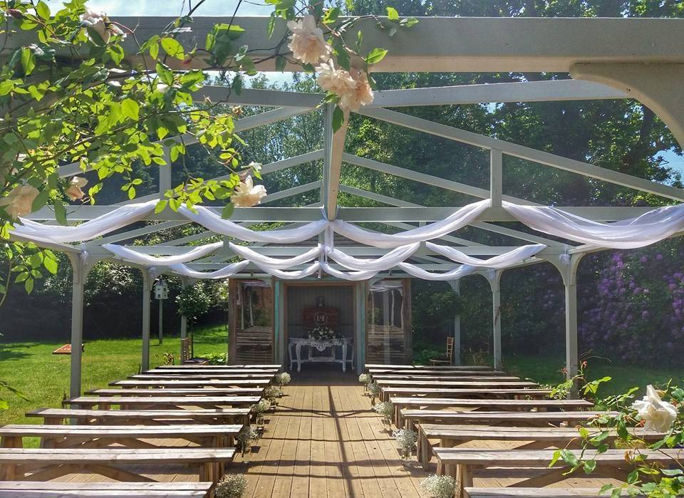 Outdoor wedding styling at The Old Vicarage