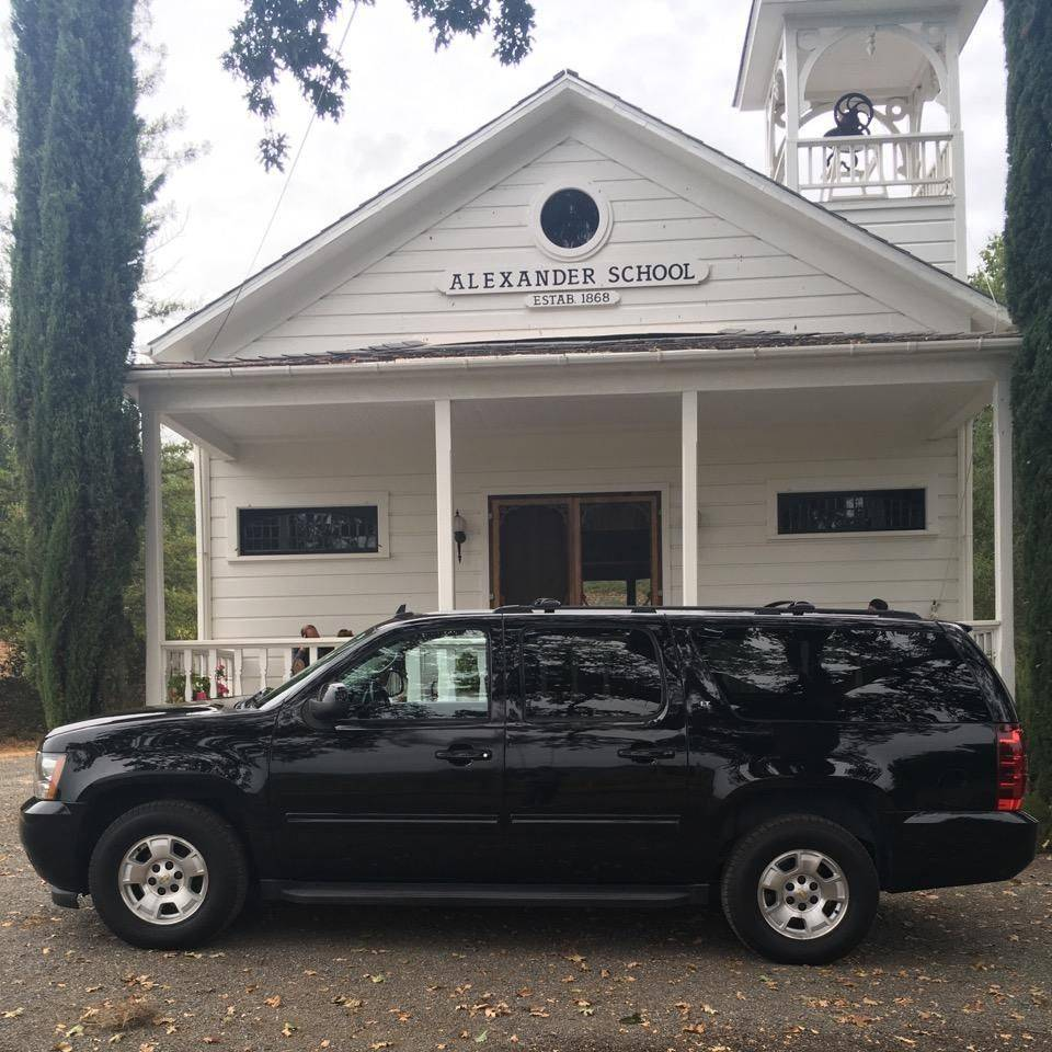 An Owner Operated SUV from Napa Sonoma Wine Tasting Driver.