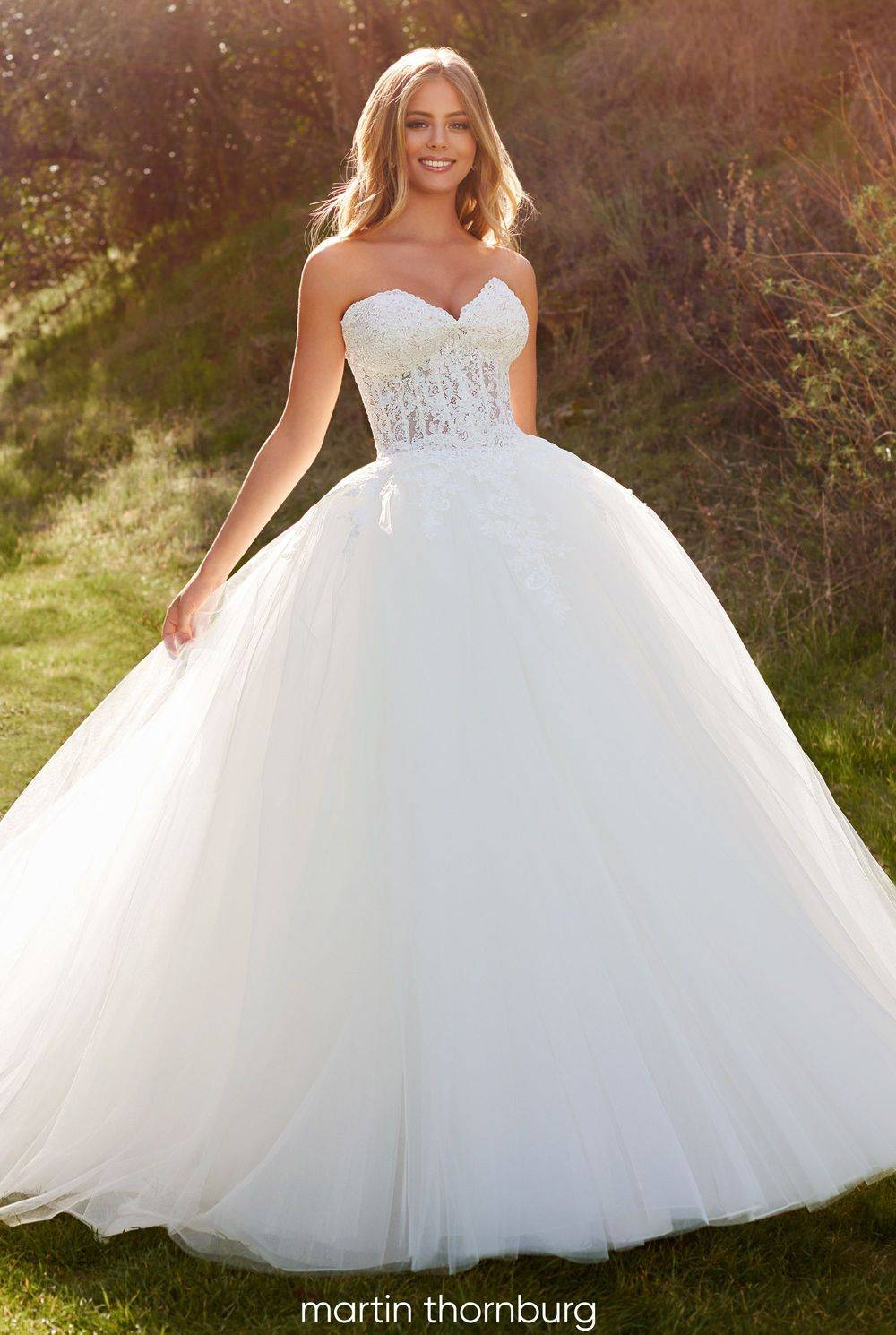 Ball gown tulle wedding dress in strood, rochester, kent, southeast kent, medway
