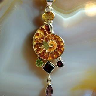 Multi gem and ammonite