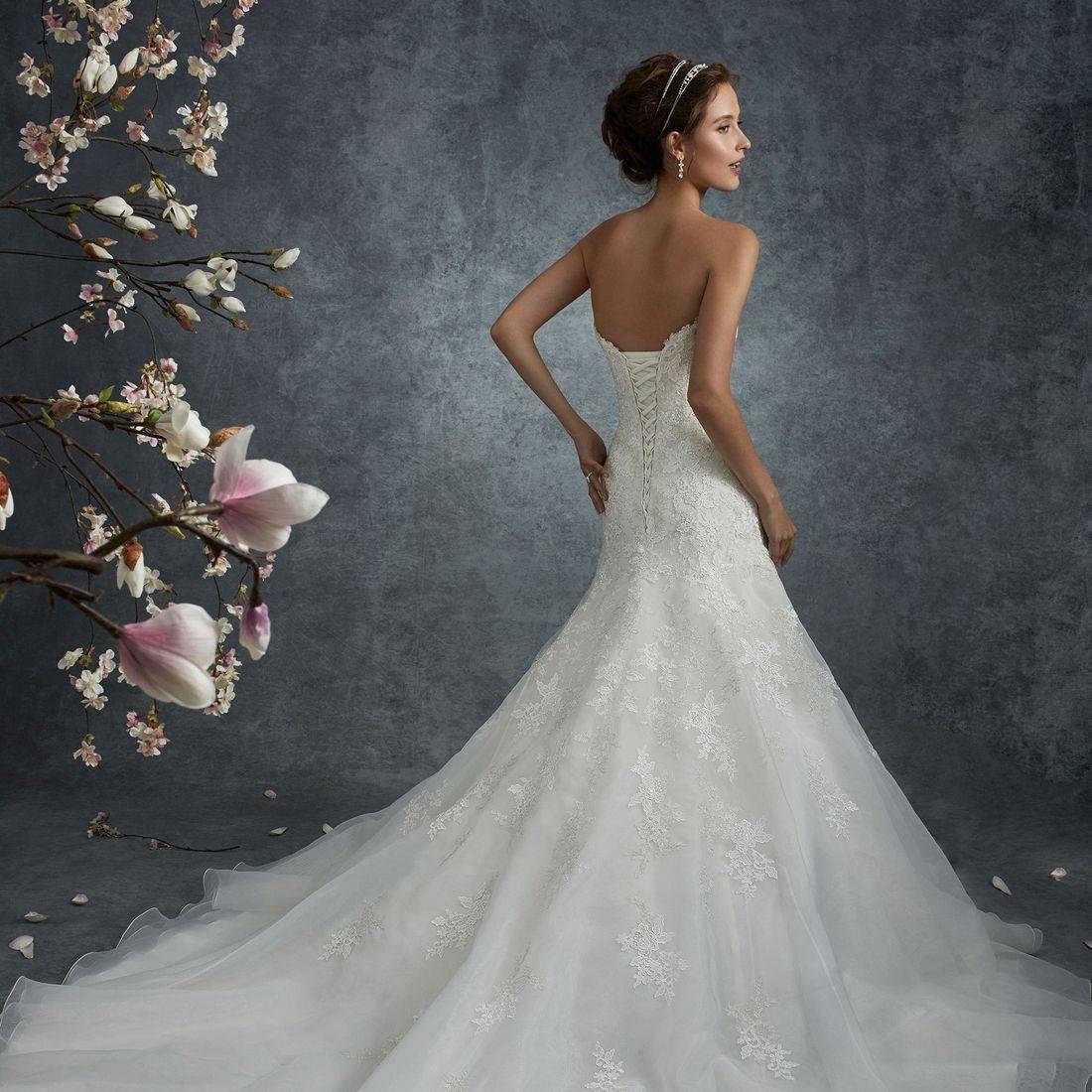 Sophia Tolli, sophia tolli wedding dress, a line wedding dress, fit and flare wedding dress, side panel wedding dress, chapel length train, lace, sparkle, sweetheart neckline, lace up back, corset back