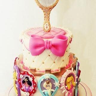 Custom Princesses Mirrors Cake Milwaukee