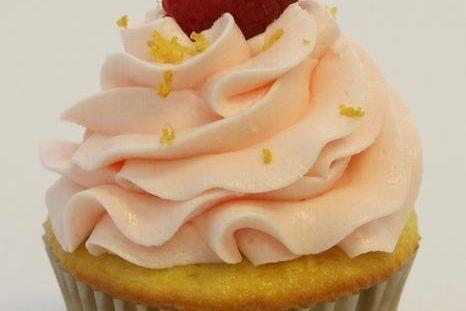 Raspberry Lemonade Cupcake
