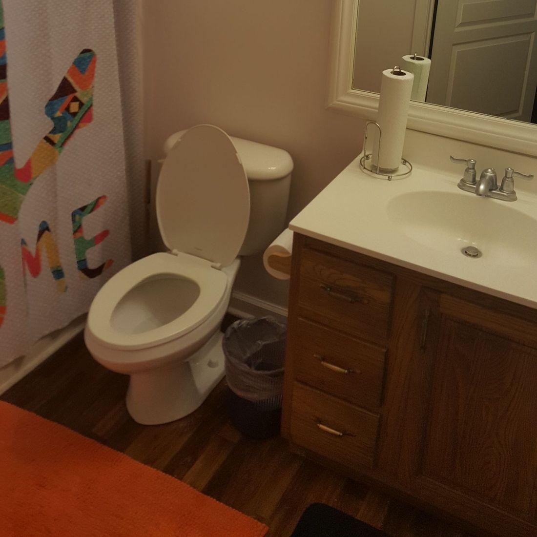 Clean home bathroom