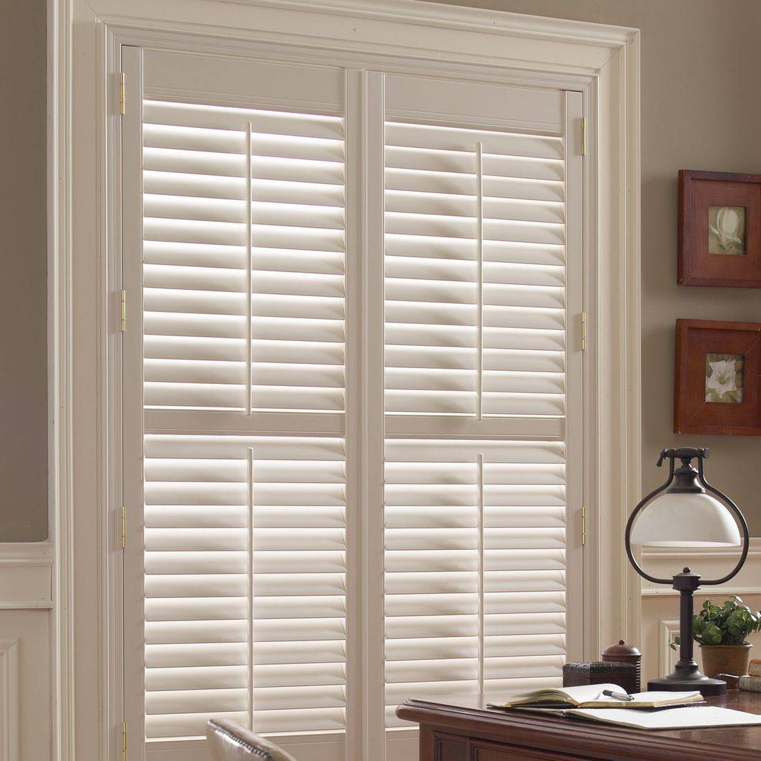 Hunter Douglas Palm Beach Polysatin Shutters are ideal for tough conditions such as extreme light or moisture. They are guaranteed to never warp, crack, fade, chip, peel or discolor.