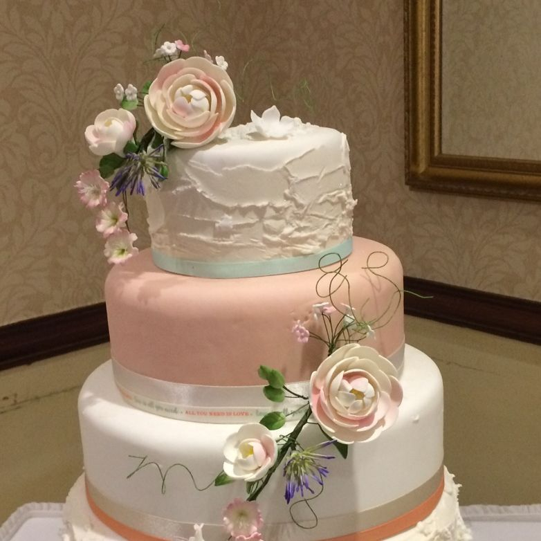 Peach and cream wedding cake Fabu-Lous Cakes
