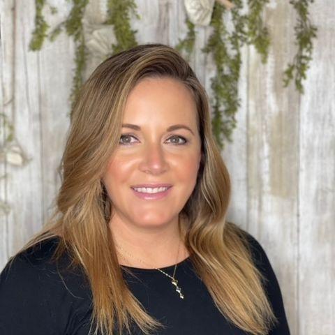 Whitney Figueroa Master Cosmetologist