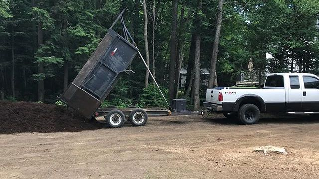 "alt=""mulch delivery dump trailer"""