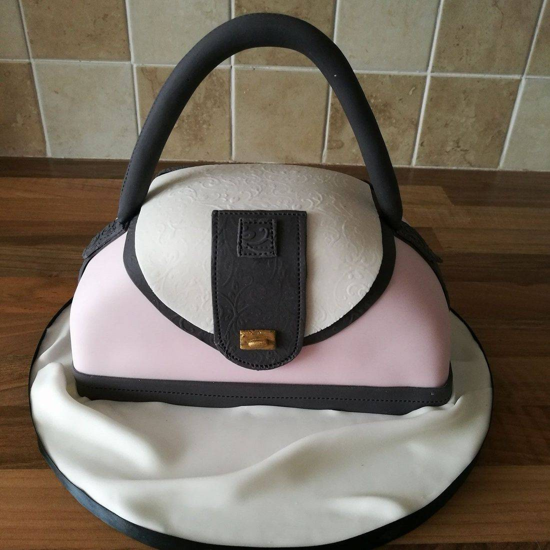 Handbag Novelty Cake