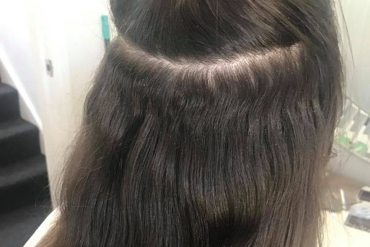 Close up of Remi Cachet Hollywood Weave micro ring removal