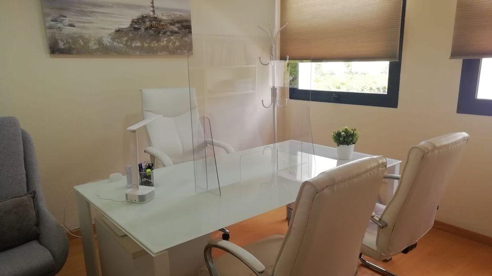 Sala de espera de la consulta de Psicología de Julio Flores