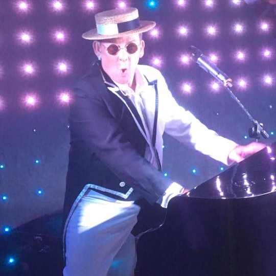 Elton John Tribute act  Andy Crosbie  Rocketman !!""