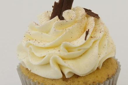 Eggnog cinnamon vanilla cupcakes