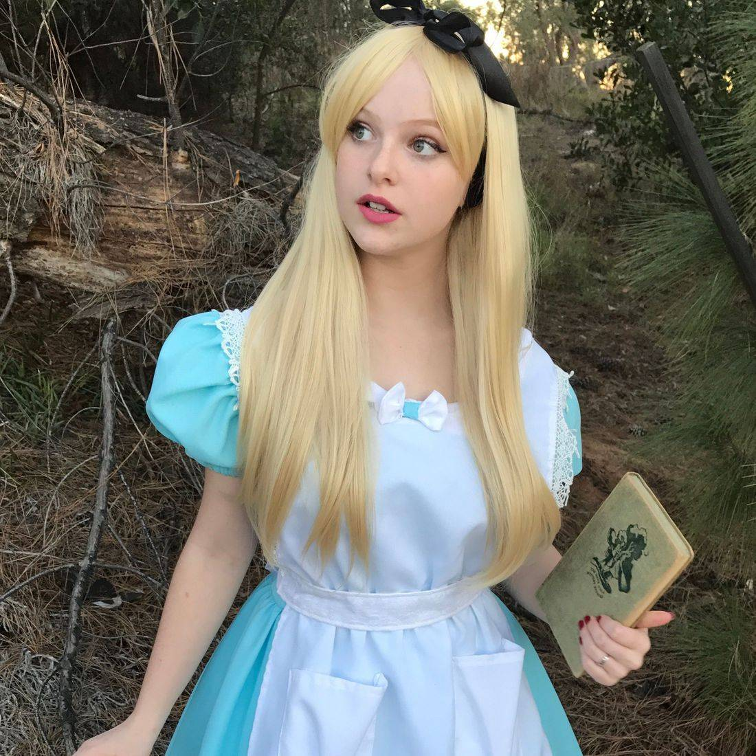 alice,alice party,alice in wonderland,alice in wonderland party, riverside,character,princess party, kid's party entertainment