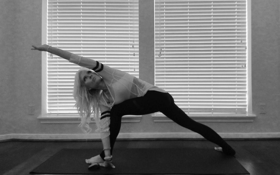 Revolved Side Angle Pose (Parivrtta Parsvakonasana)