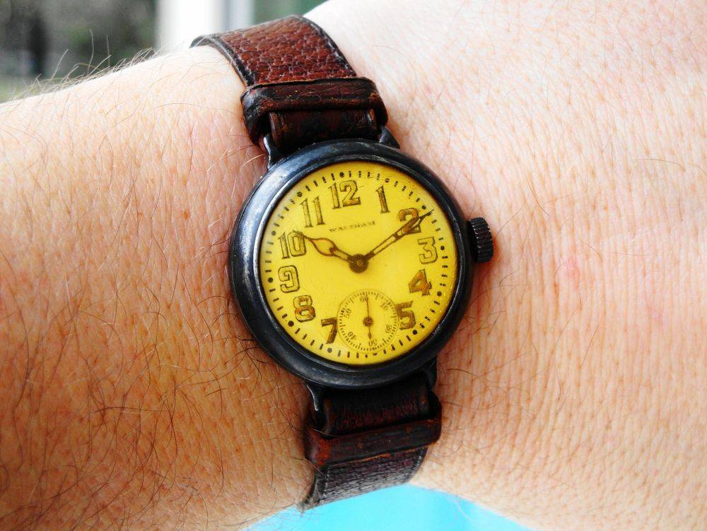1917 WWI Waltham Depollier KHAKI Trench Watch, original yellow military crystal