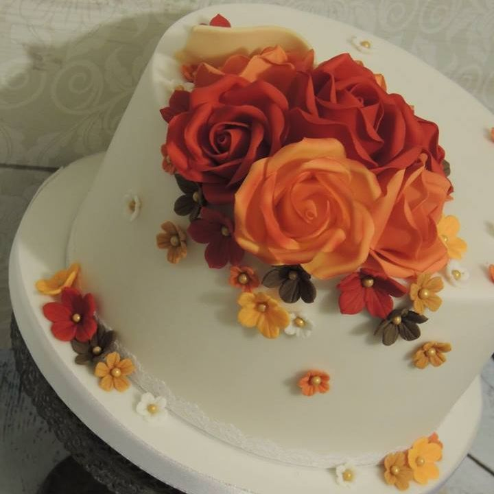 Autumn Autumnal Vintage Pretty Cake Lace