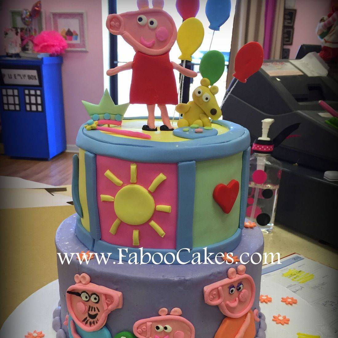 Peppa Pig Birthday Cake 2 tier peppa cake
