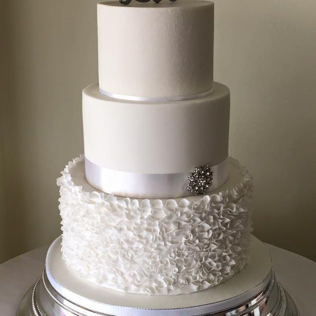 Ruffle White Wedding CAke Diamante Buckle Brooch White