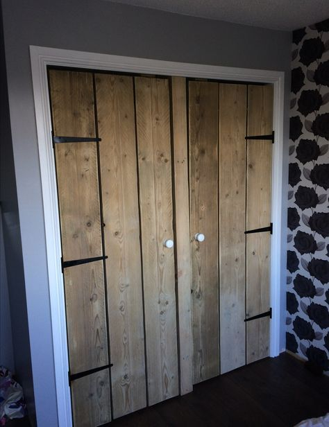 Made to meassure wooden wardrobe  two doors