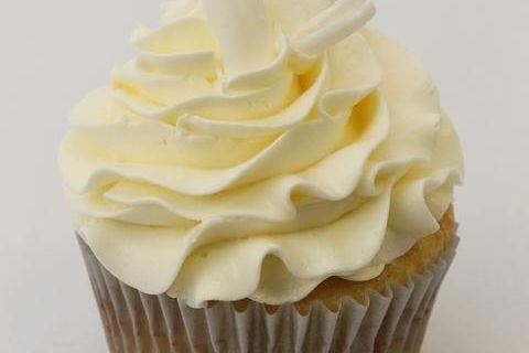 Blonde Bombshell All Vanilla  cupcakes