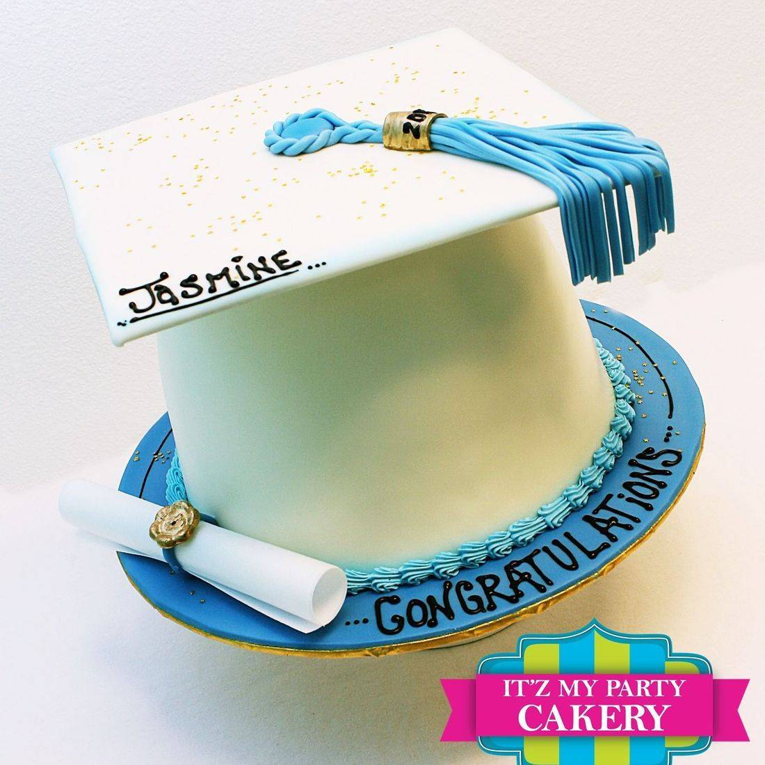 Custom Graduation Cap Cakes Milwaukee