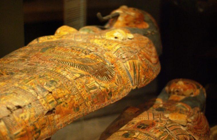 Des archéologues découvrent une ancienne nécropole contenant 40 sarcophages en Egypte