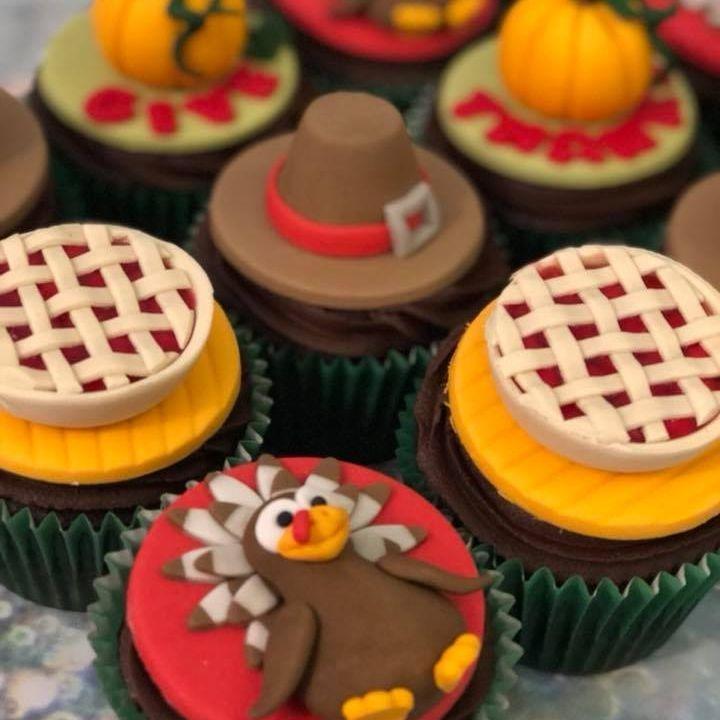 Thanksgiving Cupcakes Turkey Pie Settler Hat Pumpkin
