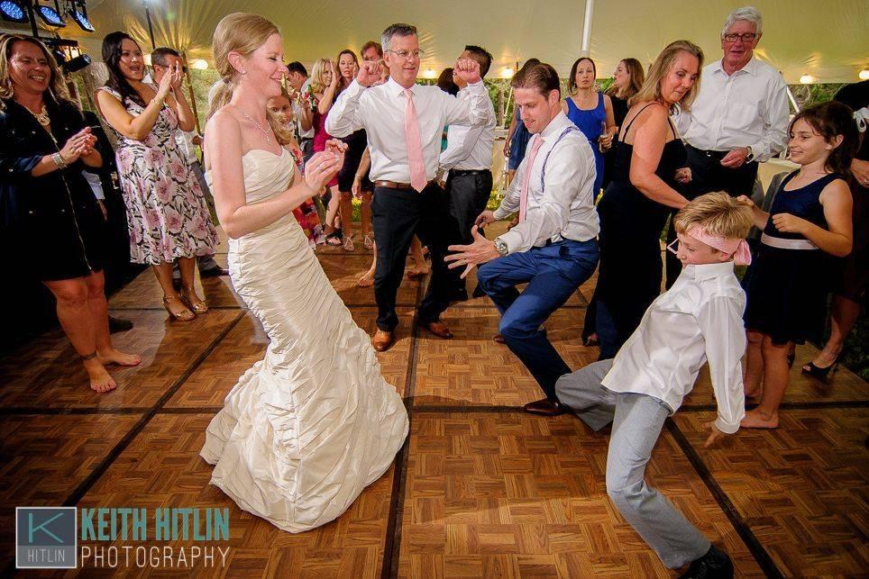 Wedding Reception, DJ Zac Barr, Wedding Dancing, Bella Vista, Hitlin Photography, Fun, Easy-going