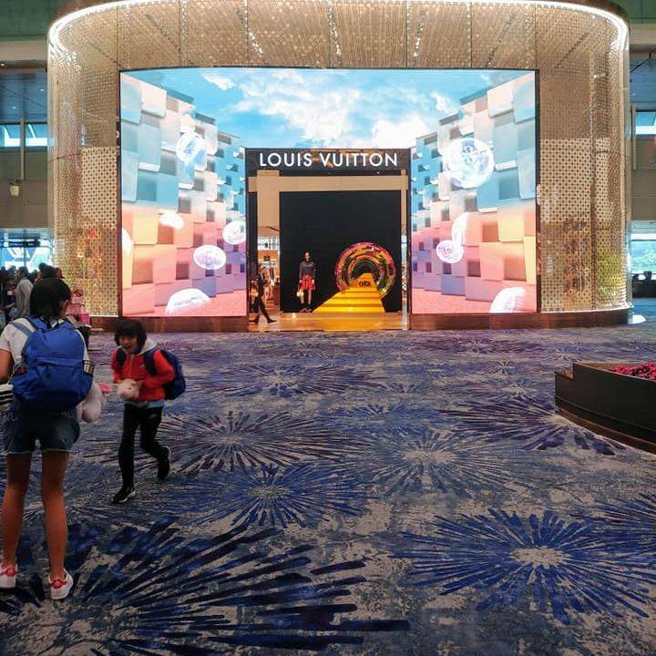 louis vuitton changi, singapore changi airport, singapore airlines airport hub, global air hubs, one of the best airports in the world