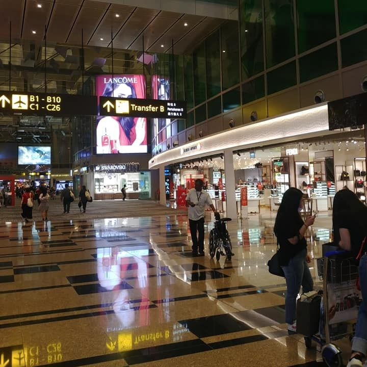 singapore changi airport, singapore airlines airport hub, global air hubs, one of the best airports in the world