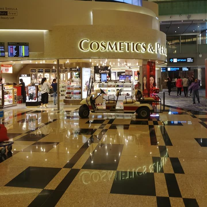 bulgari, singapore changi airport, singapore airlines airport hub, global air hubs, one of the best airports in the world