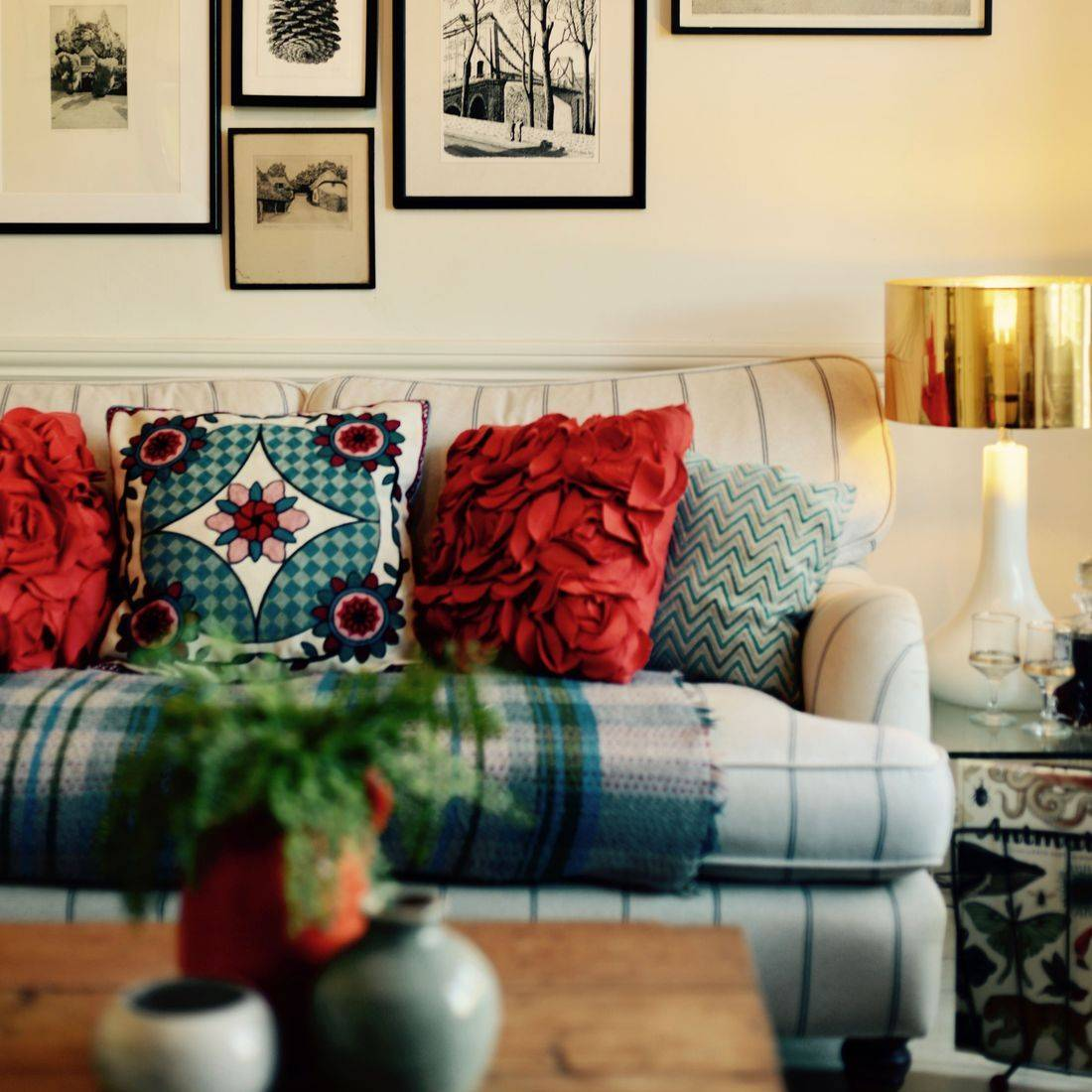 Country Living Room by Alx Gunn Interiors East Sussex, UK, alxgunn-interiors.co.uk