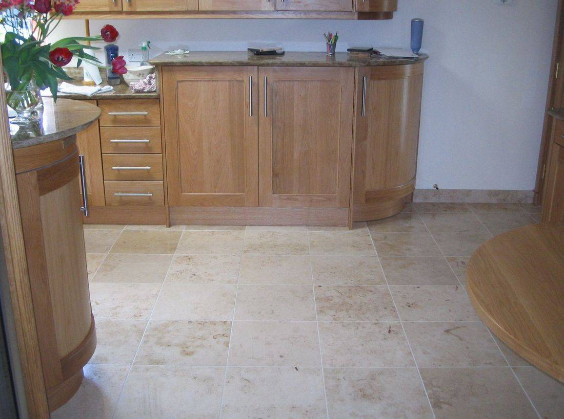 Tililng, Tiler, Tile, Newquay, Cornwall, Porth, Tiles, Kitchen, Bathroom