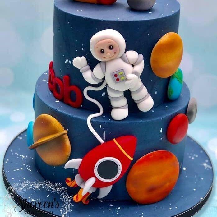 space astronaut cake