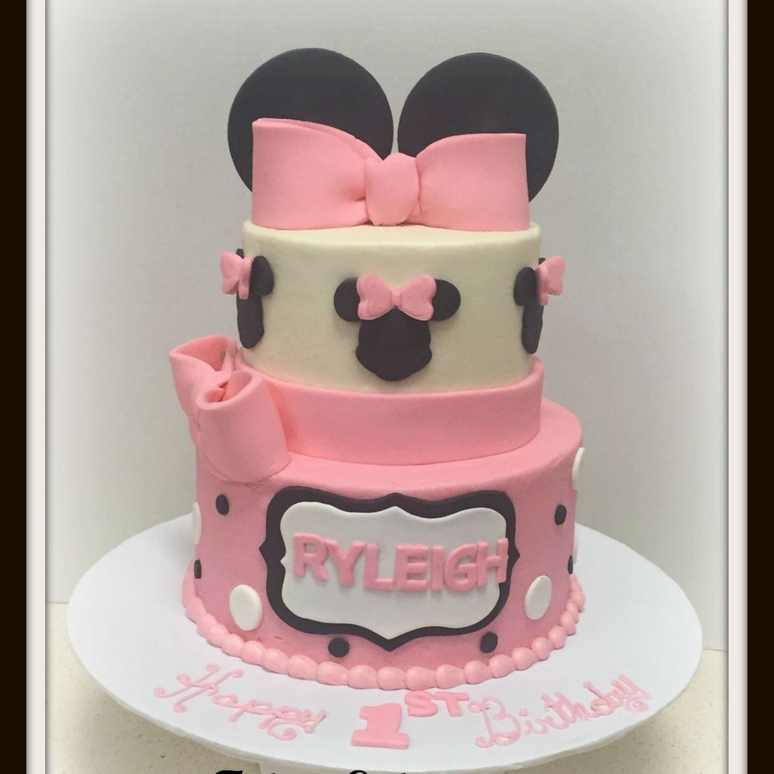girl birthday cake 1st birthday first minnie mouse cake pink